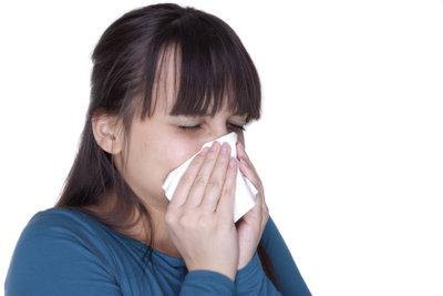 Eine verstopfte Nase kann sehr schmerzhaft sein.