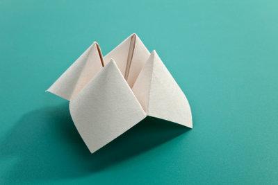 So basteln Sie einfache Origami-Modelle.