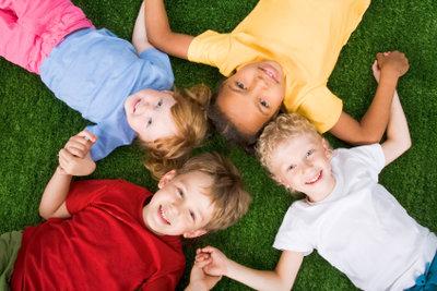 Um sich zu konzentrieren, brauchen Schulkinder auch genug Geborgenheit.