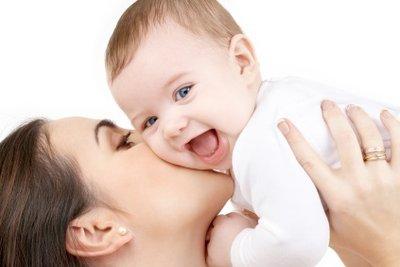Blähungen bei Neugeborenen - so helfen Sie Ihrem Kind.