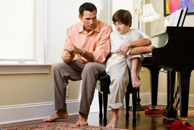 Zuhören ist bei Pubertätsproblemen wichtiger, als Rat zu wissen.