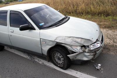 Bei einem Unfall sollten Sie einen genauen Unfallbericht für die Versicherung erstellen