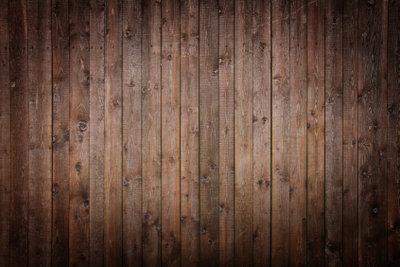 Damit Ihr Holzfußboden nicht zur Stolperfalle wird, sollten Sie ihn ausgleichen.