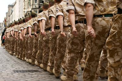 Bei der Bundeswehr Karriere machen, bedeutet eine Verpflichtung auf Zeit.