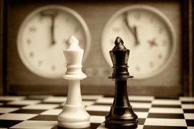 Eine Terminvereinbarung sollte einfach formuliert, nicht so kompliziert wie ein Schachspiel werden.