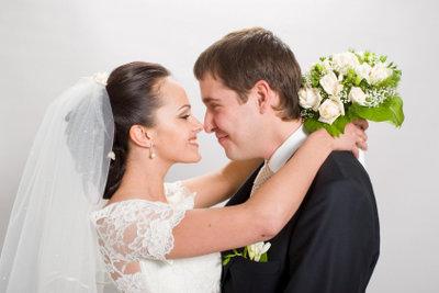 Zum Heiraten brauchen Sie nicht nur den richtigen Partner - sondern auch allerhand Dokumente.