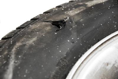 Die Reparatur eines Autoreifens ist nur unter bestimmten Umständen möglich.