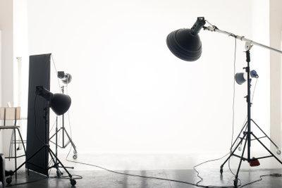 Ein Fotostudio kann mit der richtigen Ausrüstung auch zu Hause eingerichtet werden.