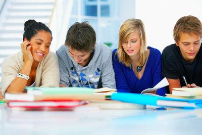 Eine passende Schulanmeldung bestimmt die Schullaufbahn des Kindes.