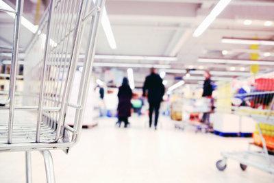 Ein Ferienjob im Supermarkt ist bei vielen Schülern sehr beliebt.