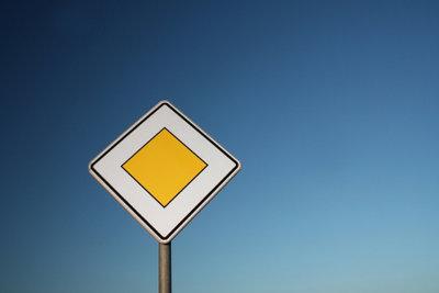 Sie werden bei der Mofaführerschein-Prüfung schon ein paar Verkehrszeichen mehr kennen müssen.