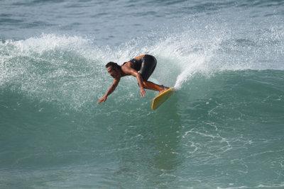 Vor allem Anfänger sollten auf das individuell richtige Surfbrett achten