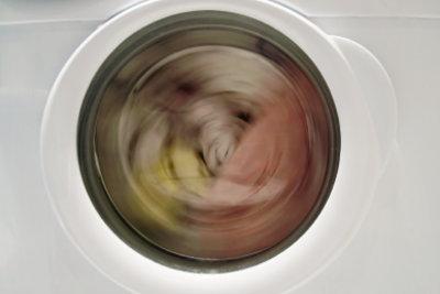 Vielleicht läuft Ihre Waschmaschine ruhiger mit einer Unterlage.