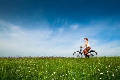 Auf Fahrradtouren können Sie die Landschaft genießen.