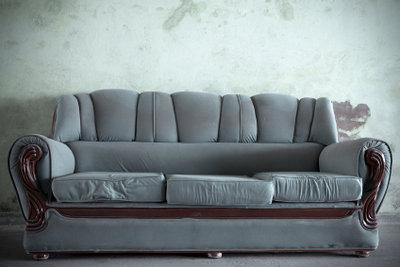 """Mit einfachen Mitteln können Sie ein Sofa """"reparieren""""!"""