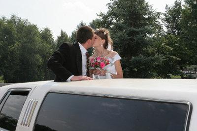 Mit der richtigen Planung wird die Hochzeit Ihrer Schwester ein voller Erfolg.