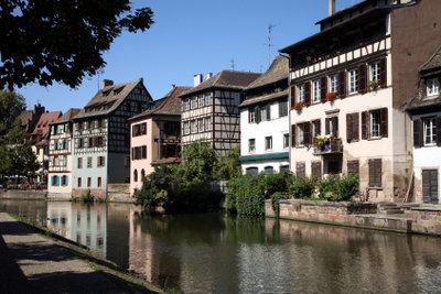 Die schöne Stadt Straßburg lädt zu einem Karfreitag im Elsass ein.