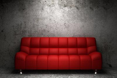 Mit einer richtigen Reinigung, sieht Ihr Sofabezug wieder aus wie neu.