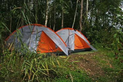 Im Internet finden Sie Plätze zum günstigen Zelten an der Nordsee.