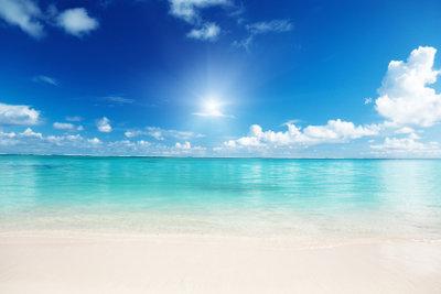 Um Im Oktober noch einen Strandurlaub zu machen, müssen Sie gar nicht so weit verreisen.
