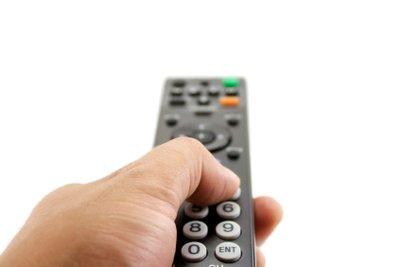 Um Kabelfernsehen zu empfangen klären Sie beim Vermieter ab, ob schon ein Kabelanschluss besteht.