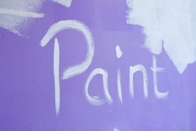 Ein wirklich schönes Wandbild selbst auf eine Wand zu malen, da brauchen Sie Geduld und Geschick.