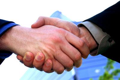 Manchmal reicht schon ein Händedruck um sich für alles zu bedanken.