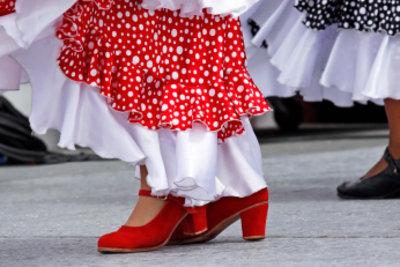 Lernen Sie doch zu Ihrem spanischen Abend ein paar Schritte Flamenco.