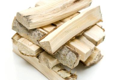 Das beste Brennholz ist hart und trocken.
