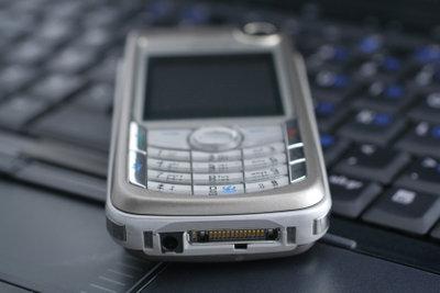 Eine TF Card ermöglicht das Speichern und Übertragen von Daten mit dem Handy.