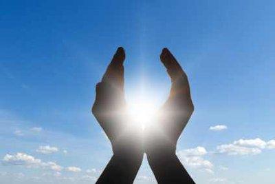 Wenn die Sonne strahlt: geben Sie Ihrem Auto einen Sonnenschutz!
