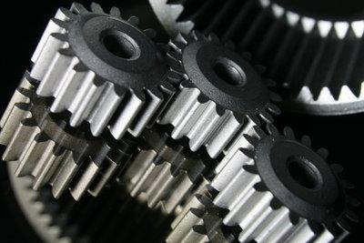 Bereiten Sie sich auf den Einstellungstest als Industriemechaniker vor.