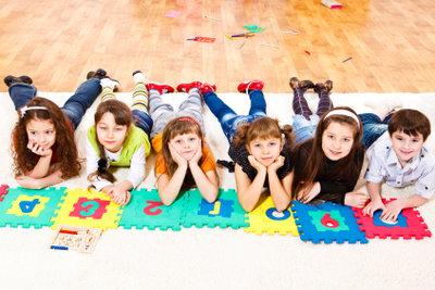 Kindergartengebühren können vom Jugendamt bezuschusst werden.