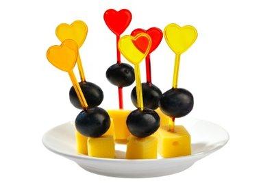 Kleine Appetithäppchen für zwischendurch sind auf Geburtstagen sehr willkommen.
