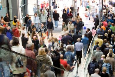 Viele Deutsche gehen an Karfreitag in Holland einkaufen.