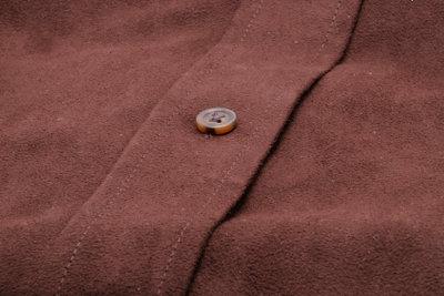 Flecken aus Wildleder können Sie schnell selbst entfernen.