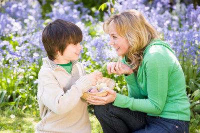 Wenn man Kindern Ostern erklärt, tun sich oft auch bei einem selbst viele Fragen auf.