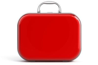 Transportieren Sie Flüssigkeiten im Koffer sicher.
