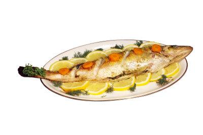 An Karfreitag essen viele Menschen Fisch statt Fleisch.