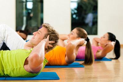 Diszipliniert kommen Sie zum schlanken Bauch.
