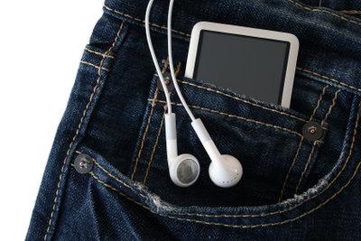 Mit Kopfhörern die Lautsprecher ausschalten.
