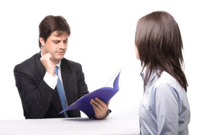 Wer zahlt die Fahrt zum Bewerbungsgespräch?