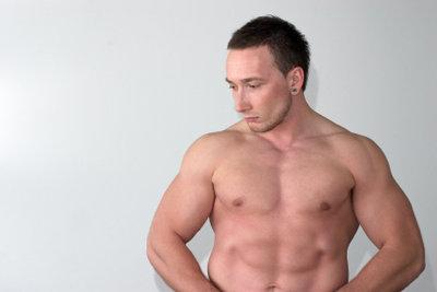 Trainieren Sie Ihre Bauchmuskeln.