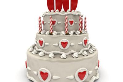Auch die Torte gehört zum Geburtstag.