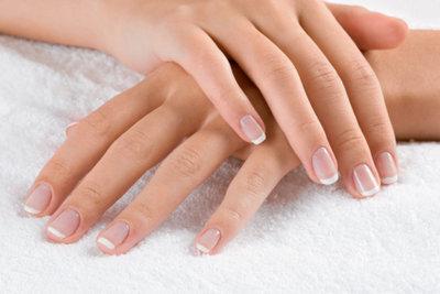 Pflegen Sie Ihre Fingernägel regelmäßig!