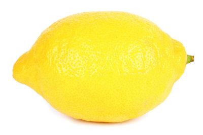 Zitronensaft unterstützt die Fettverbrennung.