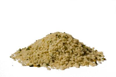Hanföl kaufen? Möglichst aus kaltgepressten Samen!