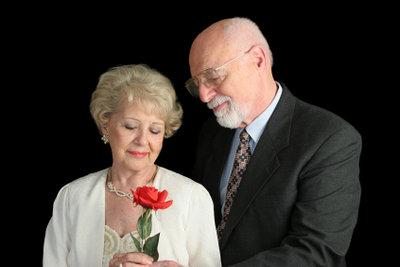 Eine Heirat kann die Rente kosten.