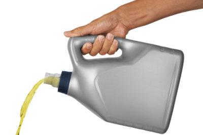 Eine unsachgemäße Ölbehälterentsorgung ist strafbar.