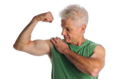Mit Expanderübungen trainieren Sie Ihren Bizeps